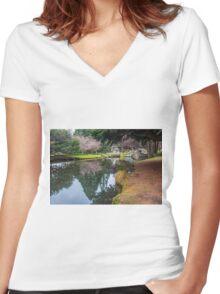 Botanic Gardens of Queenstown Women's Fitted V-Neck T-Shirt