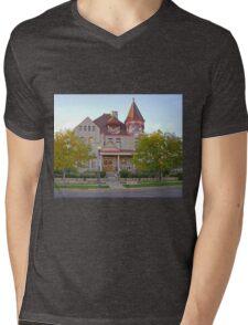 House, Cheyenne, Wyoming, USA Mens V-Neck T-Shirt
