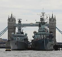 HMS Belfast and HMS Richmond London by wjohnd