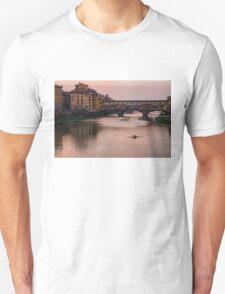 Impressions Of Florence - Ponte Vecchio Rowing In Rose Quartz Pink T-Shirt