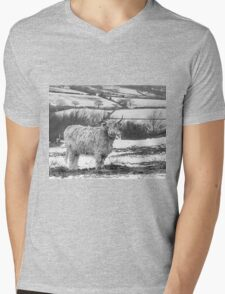 Highland Cow In The Snow Mens V-Neck T-Shirt