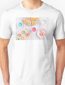 Mini bundt cakes Unisex T-Shirt