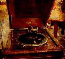 Antique Gramophone by Deb Gibbons