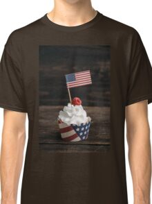 Independence day cupcake Classic T-Shirt
