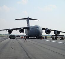 C-17... She's a Beast!  by dasSuiGeneris