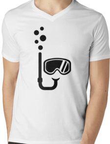 Snorkel goggles bubbles Mens V-Neck T-Shirt