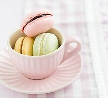 Macarons in a cup by Elisabeth Coelfen