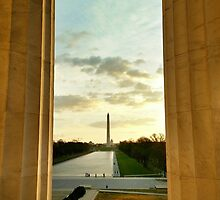 Sunrise | Washington Monument from Lincoln Memorial by esagheer