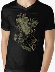 Berlin city engraving map Mens V-Neck T-Shirt