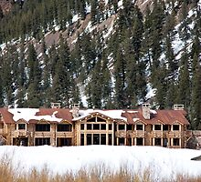 Ashcroft Winter Lodge by phil decocco