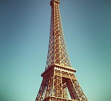 Tour Eiffel III by Claire Elford