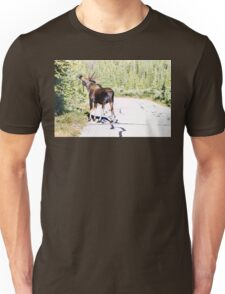 Bull Moose Munching in The Road Unisex T-Shirt