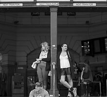 Melbourne : Suzanne Phoenix by Suzanne Phoenix