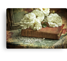 Antique white roses Canvas Print
