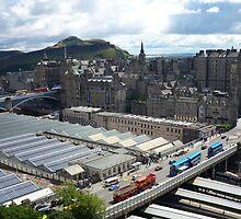 Edinburgh: City of hills by Yonmei