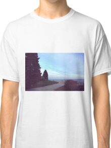 Love's a game Classic T-Shirt