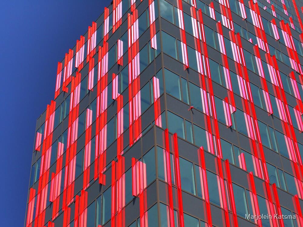 Red fins (1) by Marjolein Katsma