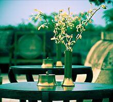Amanjiwo table setting. by geofflackner