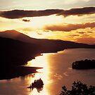 Sunsetting over Queens View by derekwallace