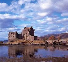 Eilean Donan Castle by derekwallace