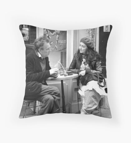Le Conversation Throw Pillow