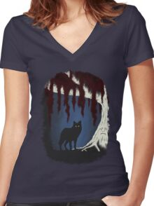 The wolf and the weirwood Women's Fitted V-Neck T-Shirt