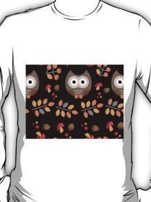 Cute Brown Owl Autumn Pattern T-Shirt