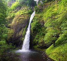 Horsetail falls, Oregon by rowephoto