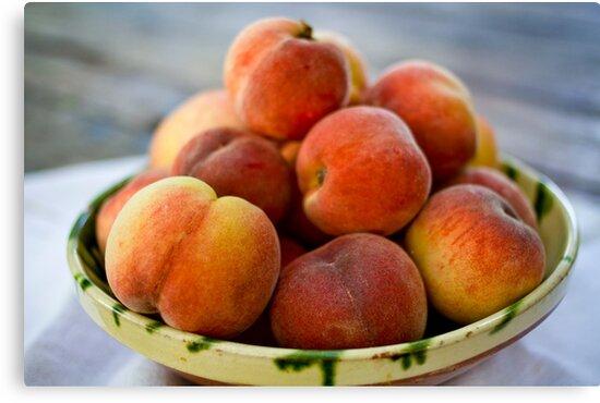 Peaches by chezus
