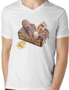 squid relaxing Mens V-Neck T-Shirt