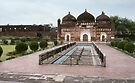 Mosque at Lalbagh Fort by Werner Padarin