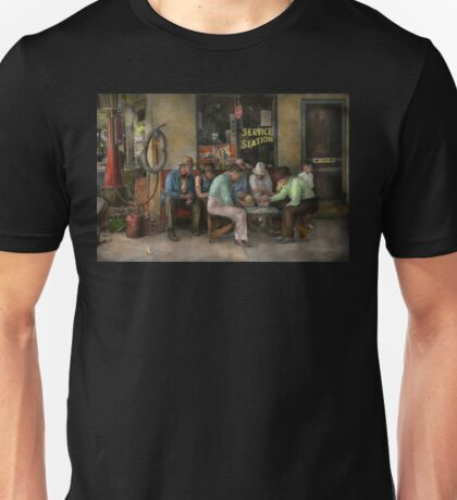Gas Station - Playing checkers togther 1939 Unisex T-Shirt