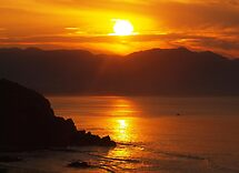 Sunrise at Pacific coast of Mexico by algill