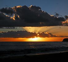 Collaroy Cloud by annadavies