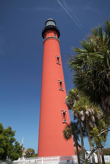 Ponce De Leon lighthouse, Florida by Keith Larby