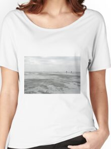 Walking in the middle of nowhere Women's Relaxed Fit T-Shirt