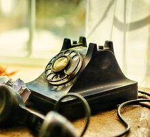 Call Waiting by JonWoodhams