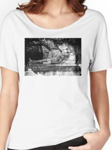 Notre-Dame-des-Neiges Cemetery Women's Relaxed Fit T-Shirt