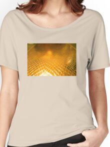 Golden alligator patterned background Women's Relaxed Fit T-Shirt