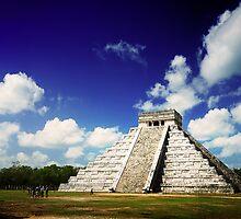 Mayan Pyramid at Chichen Itza, Mexico by kiproof