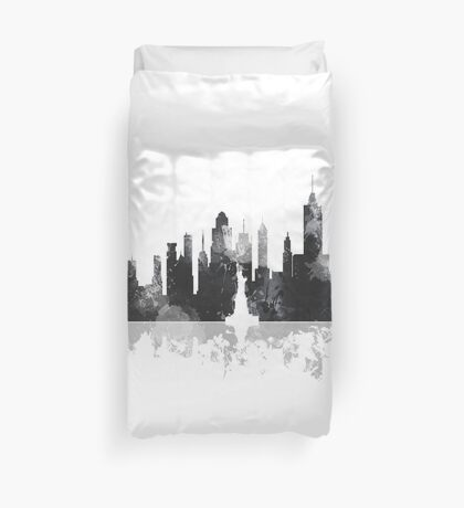 New York, NY Skyline - Black and White Duvet Cover