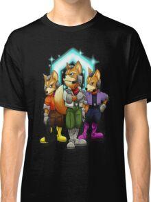 Fox Victory Pose Classic T-Shirt