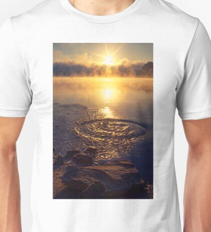 Ripple ring splash in water lake Unisex T-Shirt