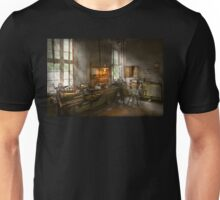Machinist - Lathes Unisex T-Shirt
