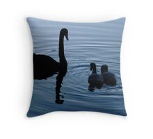 """Hey Mum, you have two necks..!"" Throw Pillow"