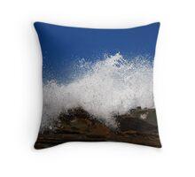 foamy sea Throw Pillow