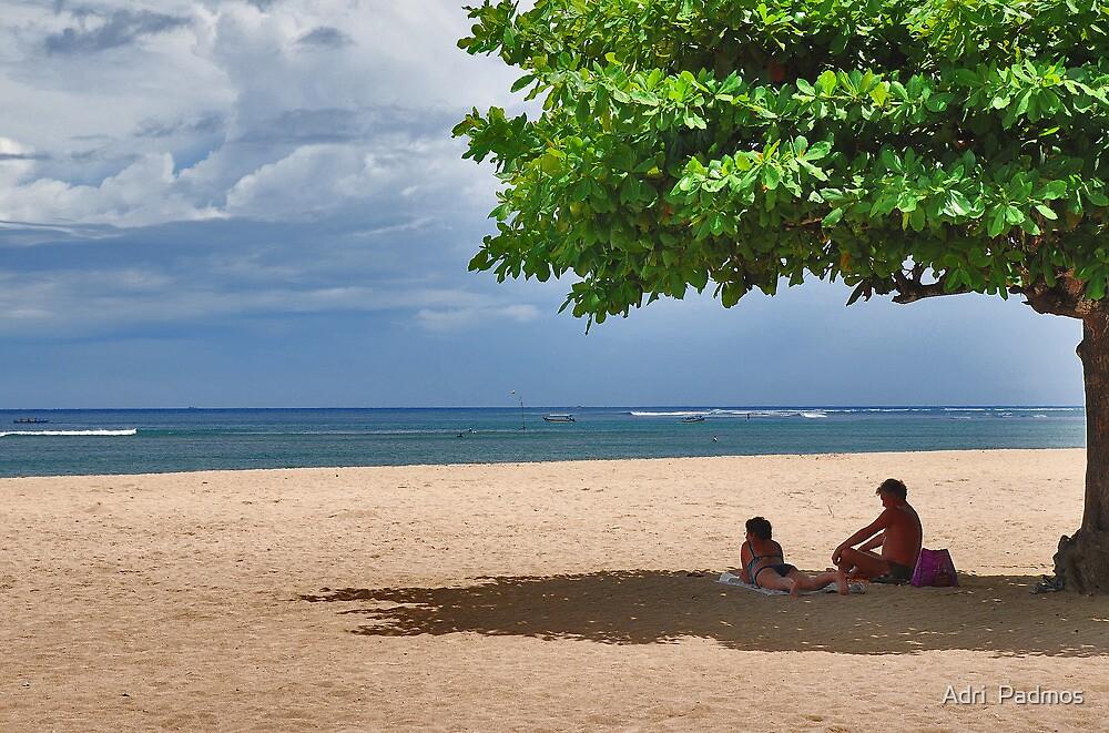 Enjoying the shade...... by Adri  Padmos