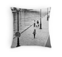 Balade à Paname Throw Pillow