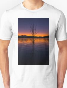 Colourful sunset at Lake Moogerah in Queensland Unisex T-Shirt