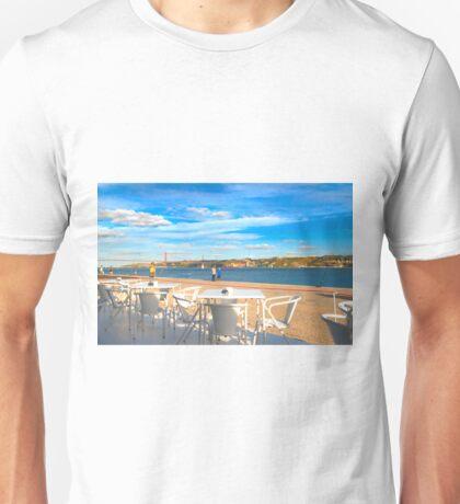 esplanada. rio tejo Unisex T-Shirt